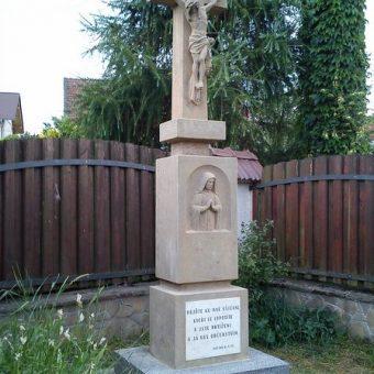 Kříž – Pitínská ulice